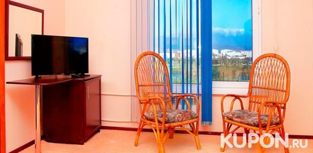 Скидка 40% на отдых в Адлере в Нижнеимеретинской бухте с проживанием в мини-отеле «Русь»: бассейн, Wi-Fi, анимационные программы для детей, парковка. Заезды с октября по декабрь!